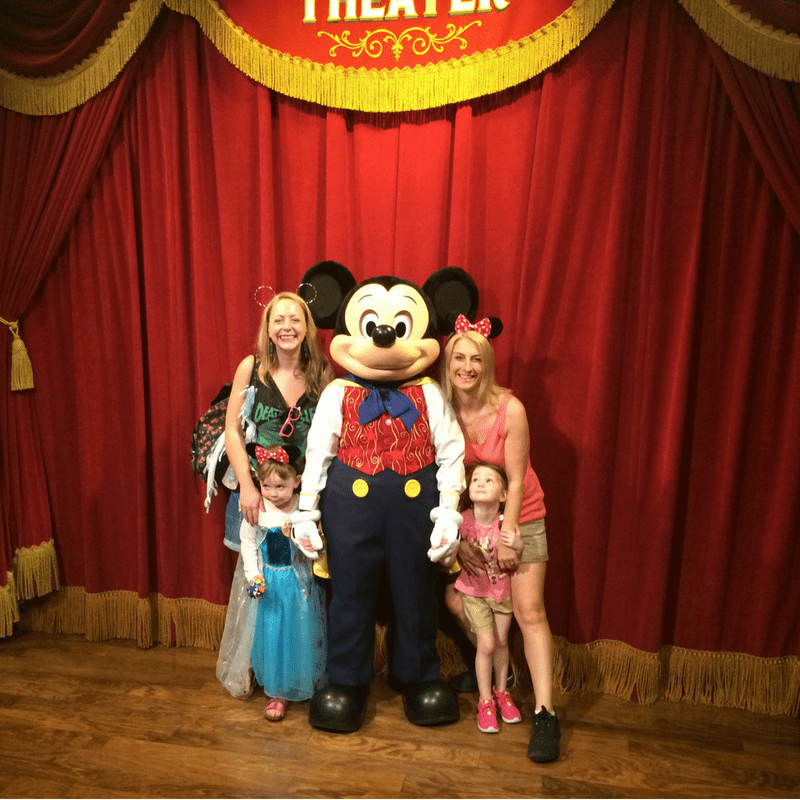 surviving_disney_meeting_micky