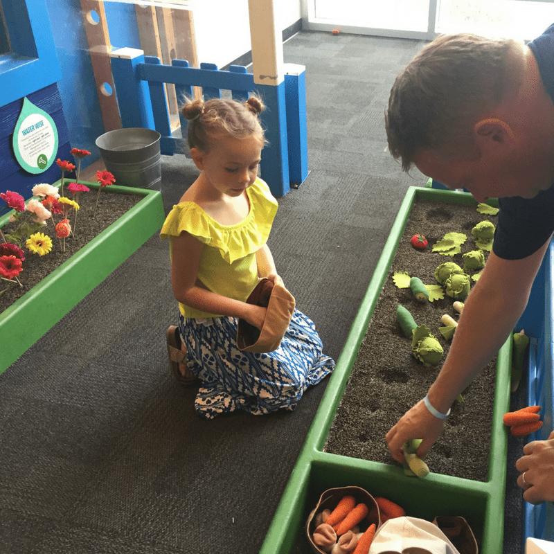 glazer_children_museum_gardening