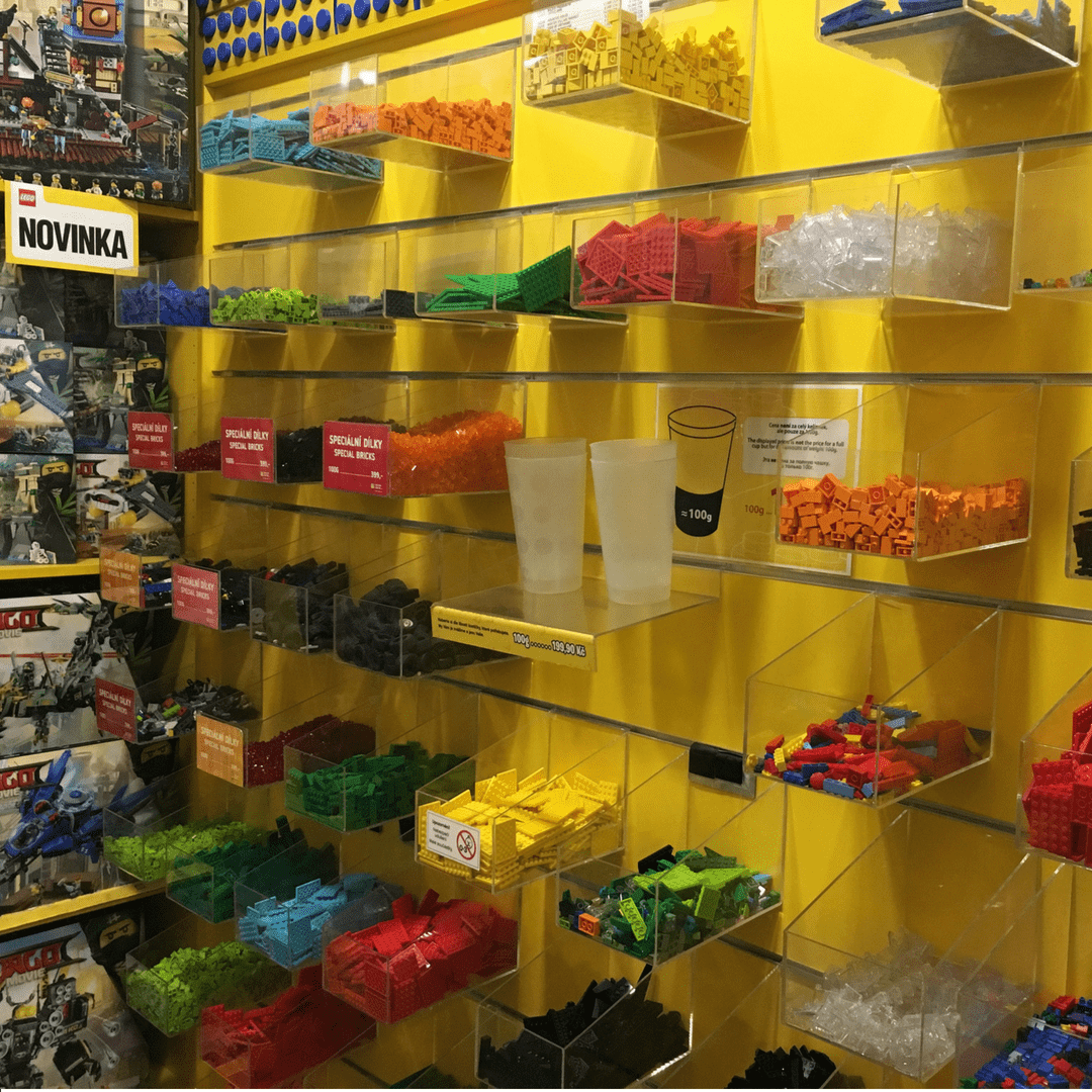 lego_museum_pick_a_brick