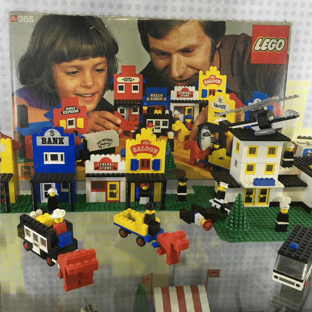 lego_museum_old_lego