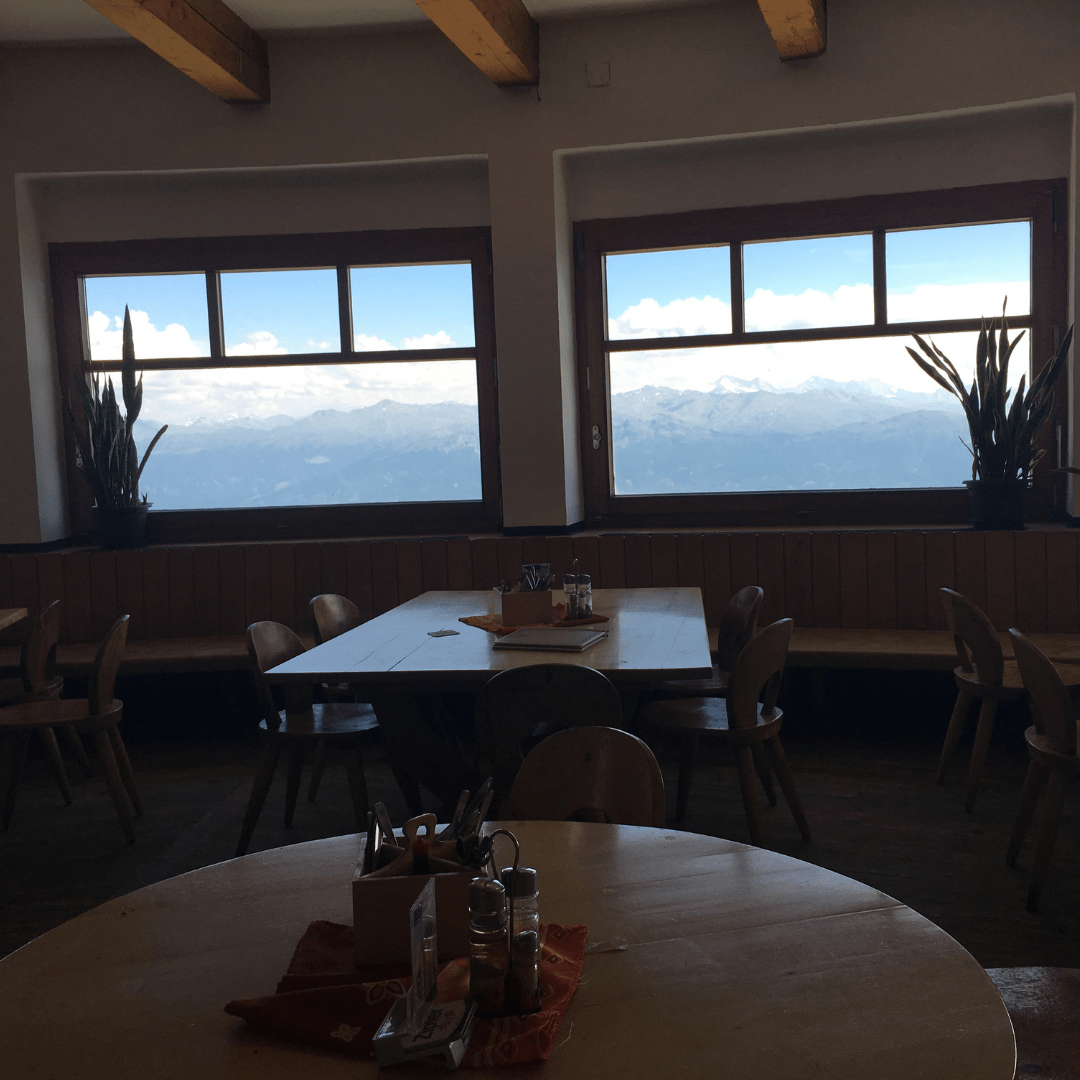 restaurant_at_top_of_nordkette