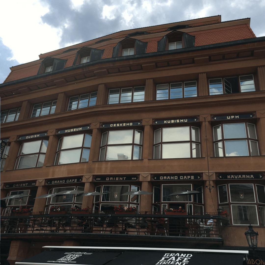 prague_tour_buildings