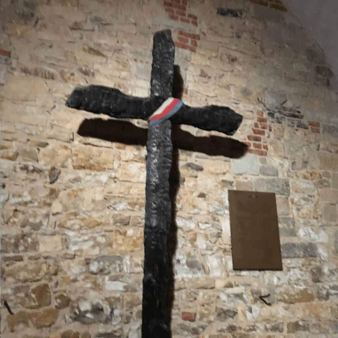 prague_tours_historic_cross