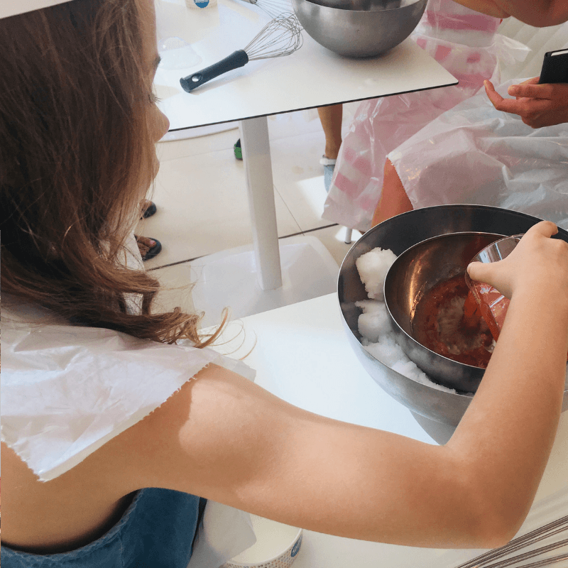 making_gelato_in_bologna_with_kids