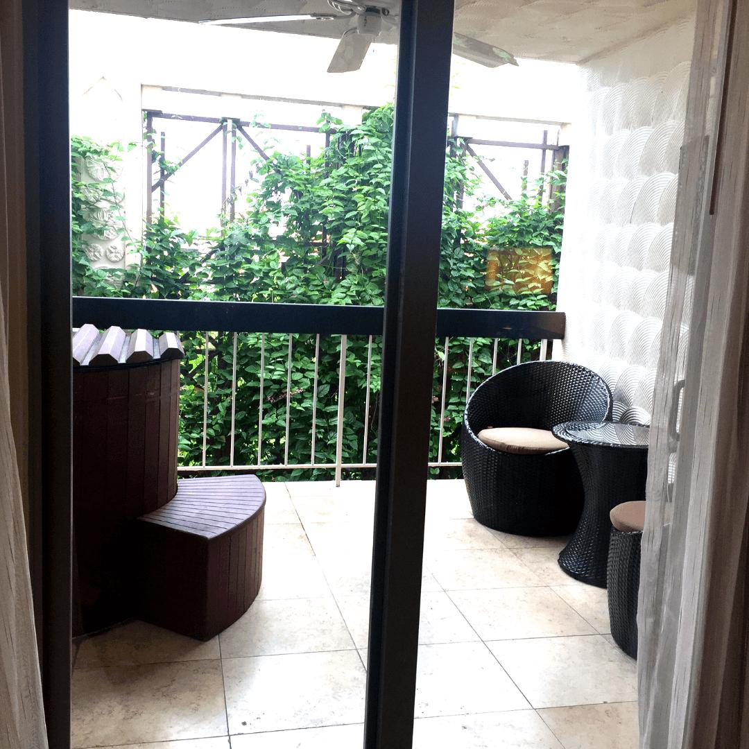 hot tub on the balcony at the mayfair hotel coconut grove