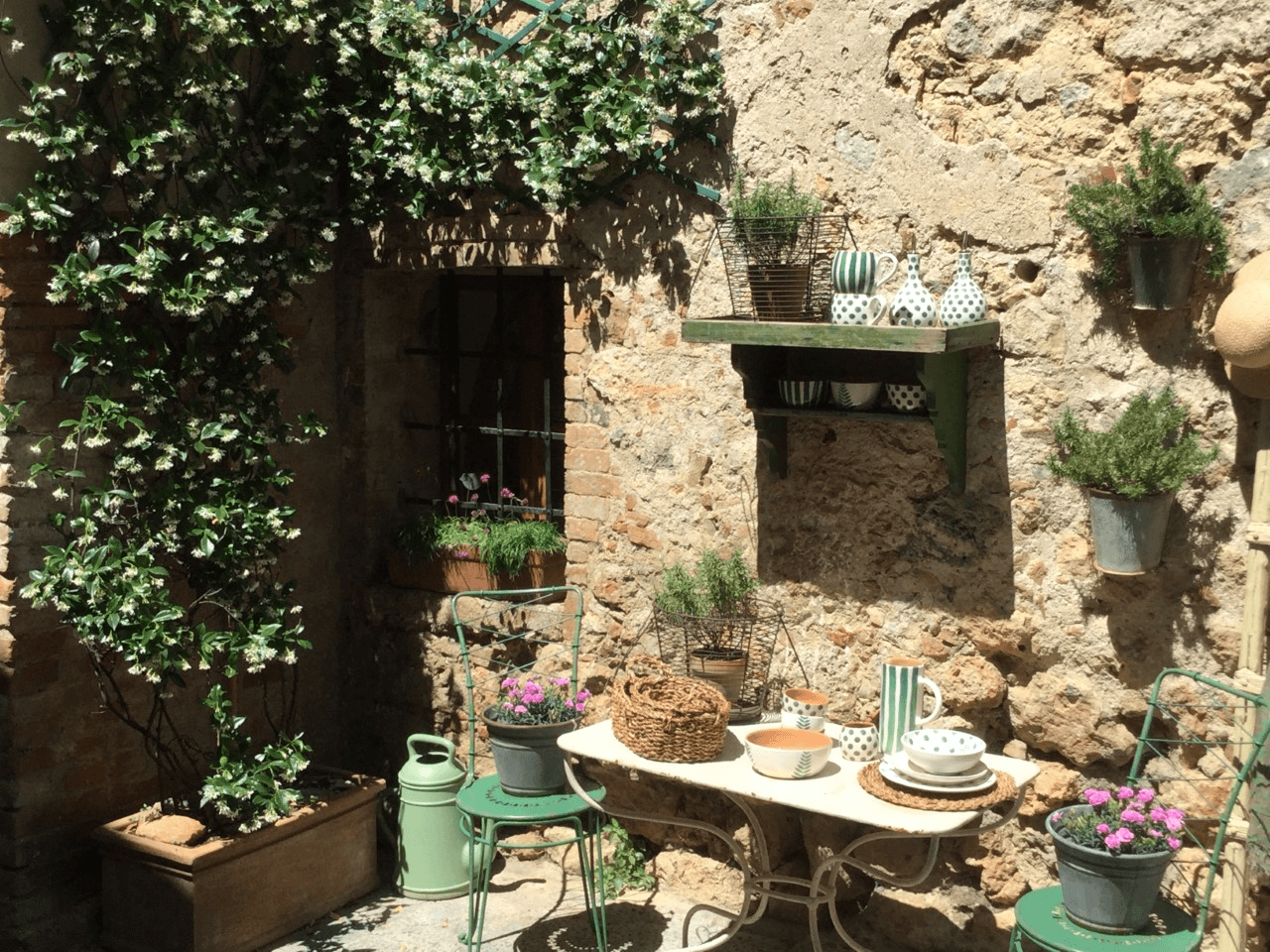 Tuscany, Italy iitinerary a quaint patio in Certaldo