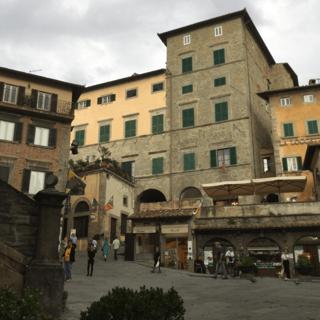 tuscany one week itinerary typical tuscan town
