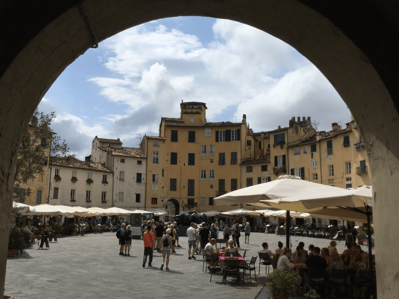 town square in Lucca during one week in Tuscany
