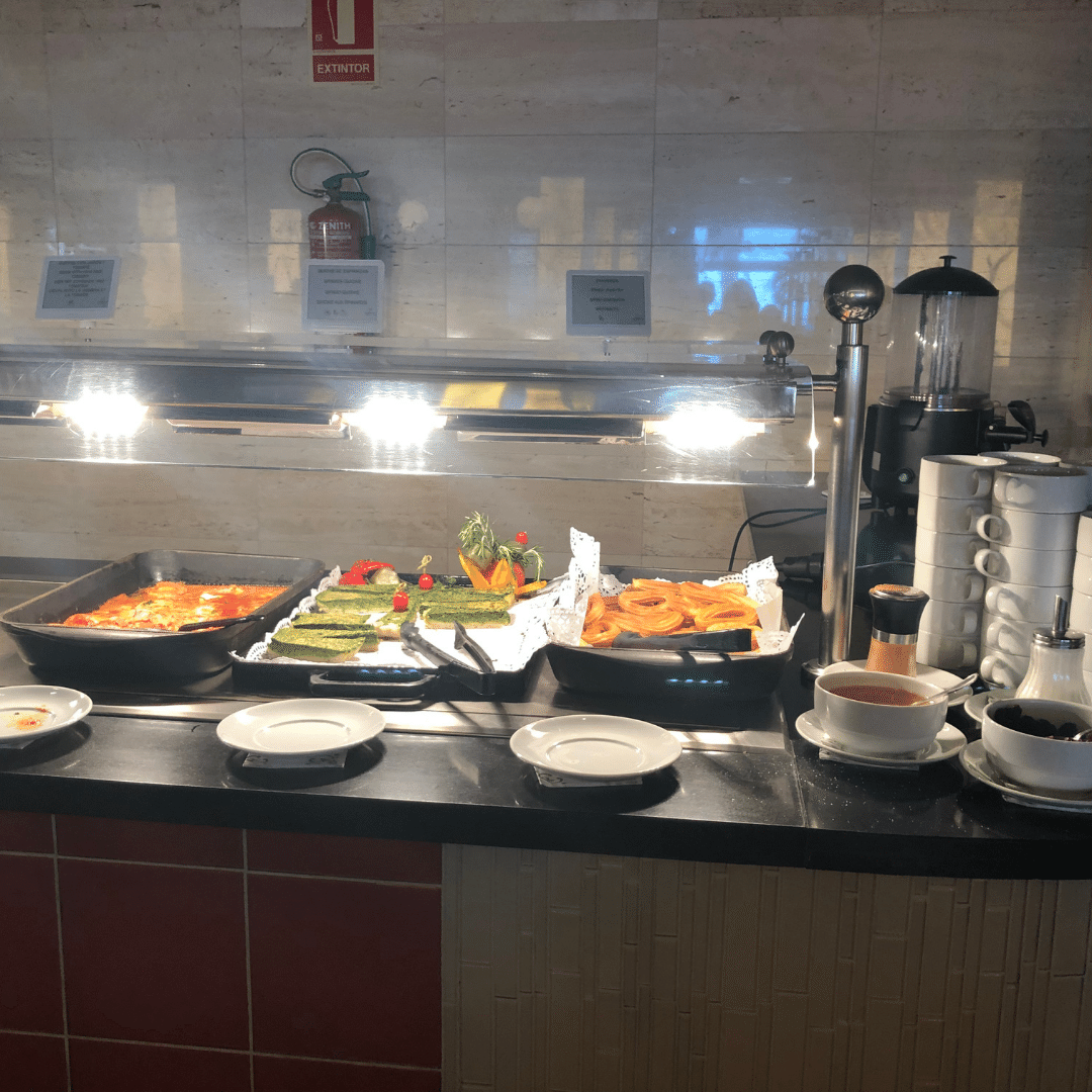 fresh food in the buffet restaurant at the roca nivaria