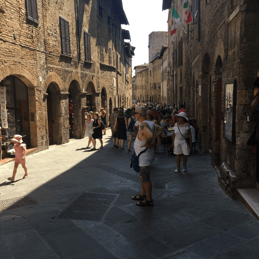 how to visit san gimignano in tuscany
