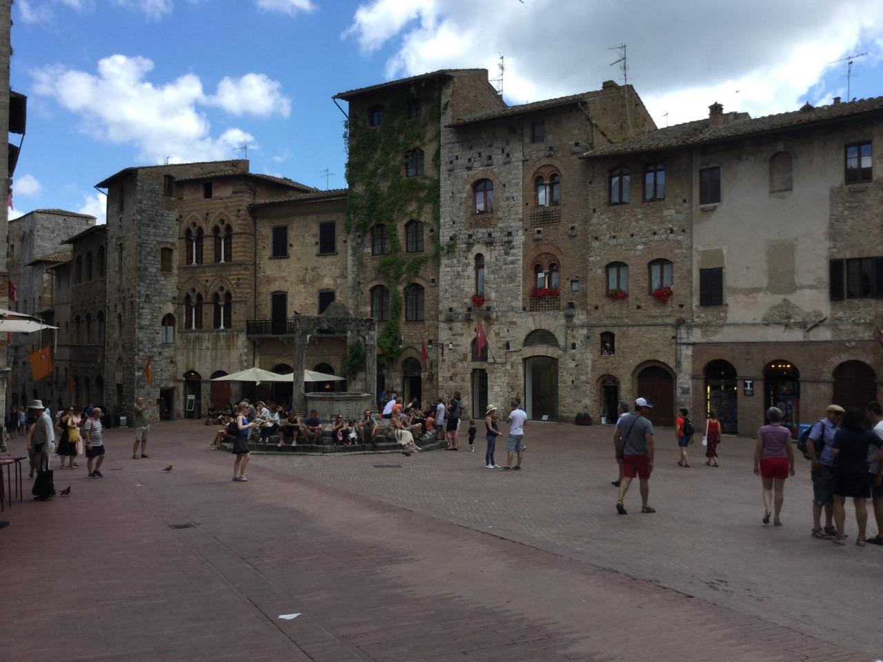 main square in san gimignano, tuscany