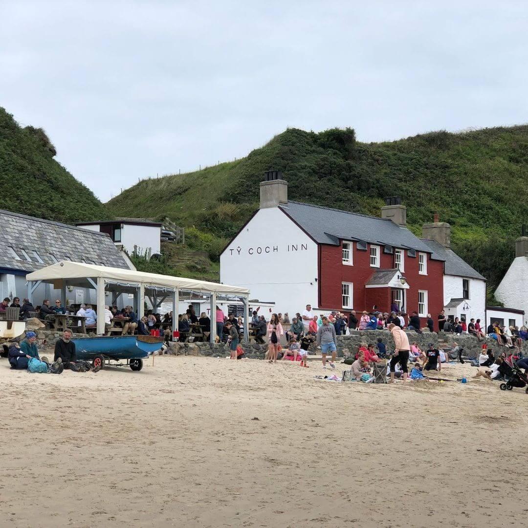 ty Coch pub at Nefyn beach