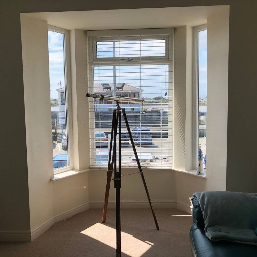 telescope in holiday home in pwllheli, wales