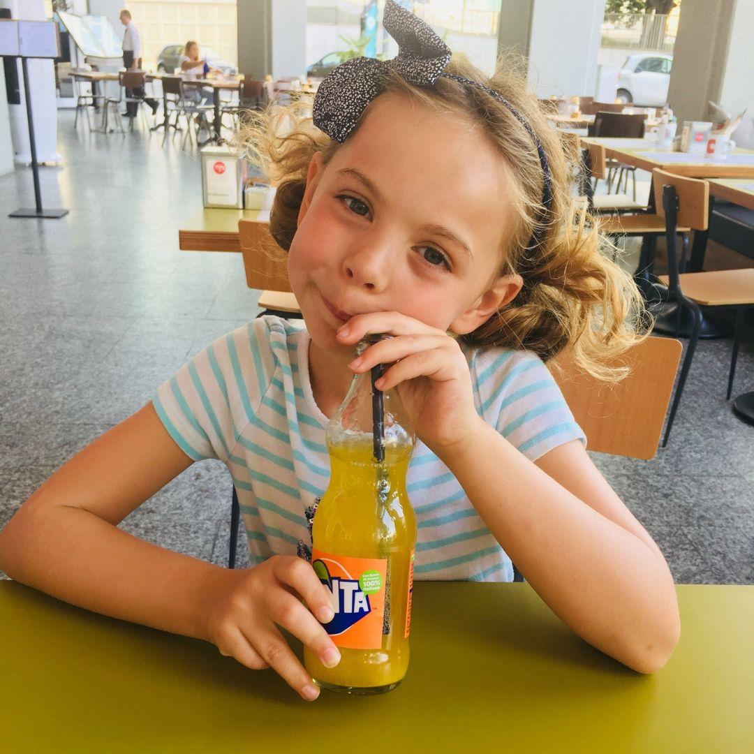 piper quinn drinking fanta in Milan