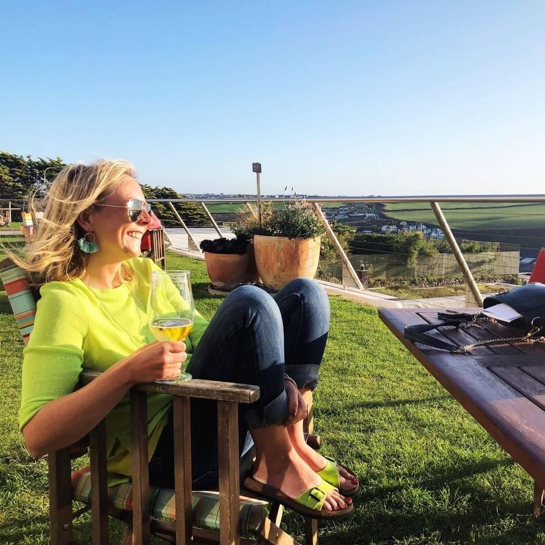 karen quinn at the bedruthan hotel outdoor terrace
