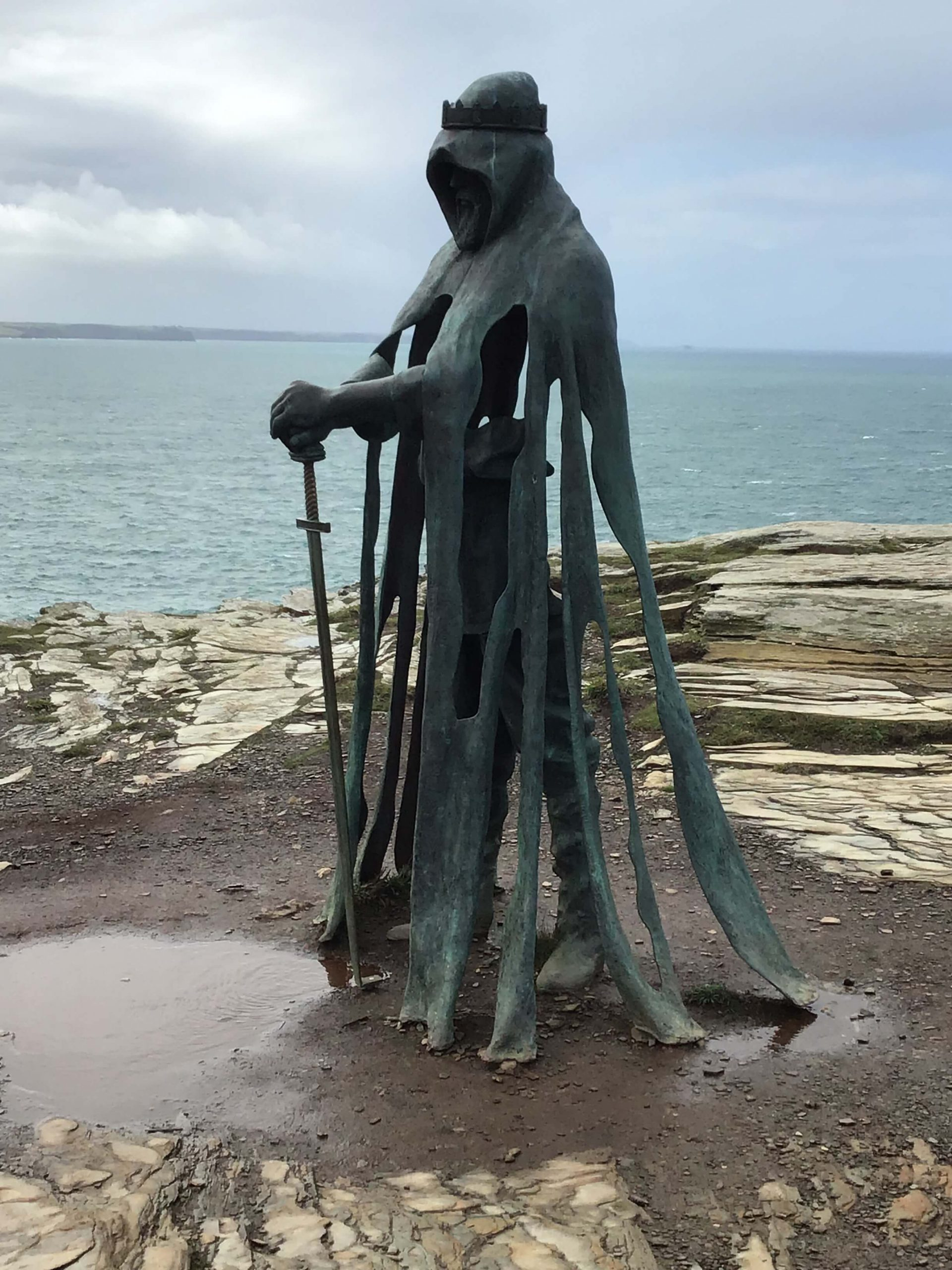 knight statue at tintagel castle