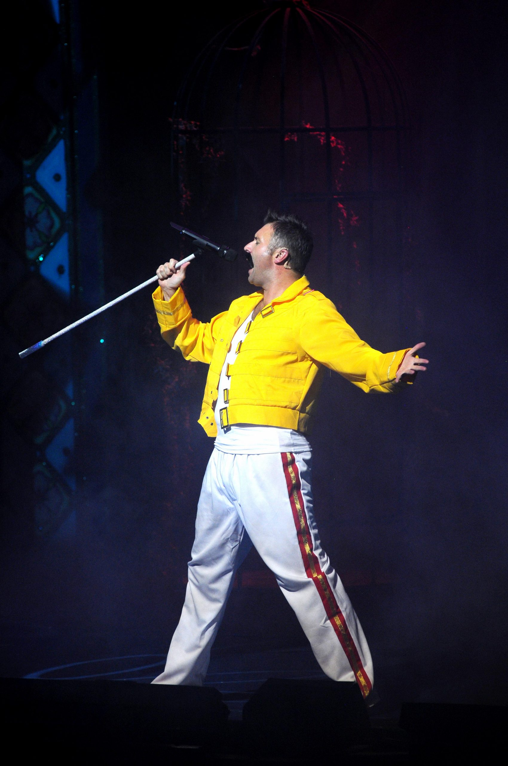 jonathan wilkes as muddles in panto