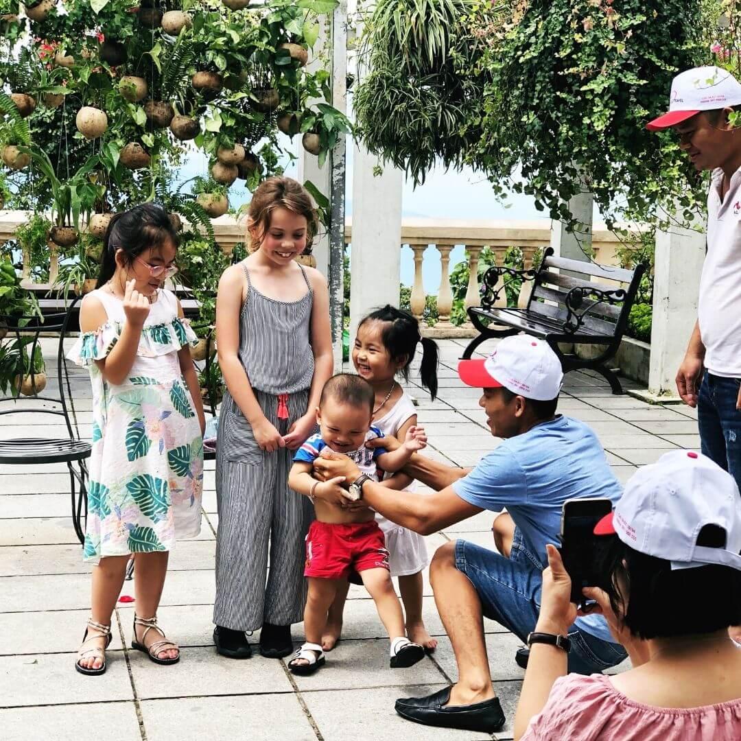 piper quinn meeting vietnamese people