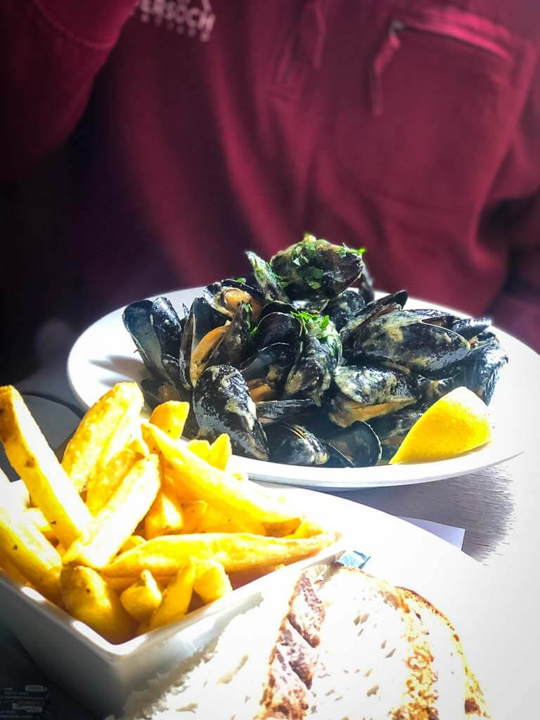 bowl of cornish mussels and chips