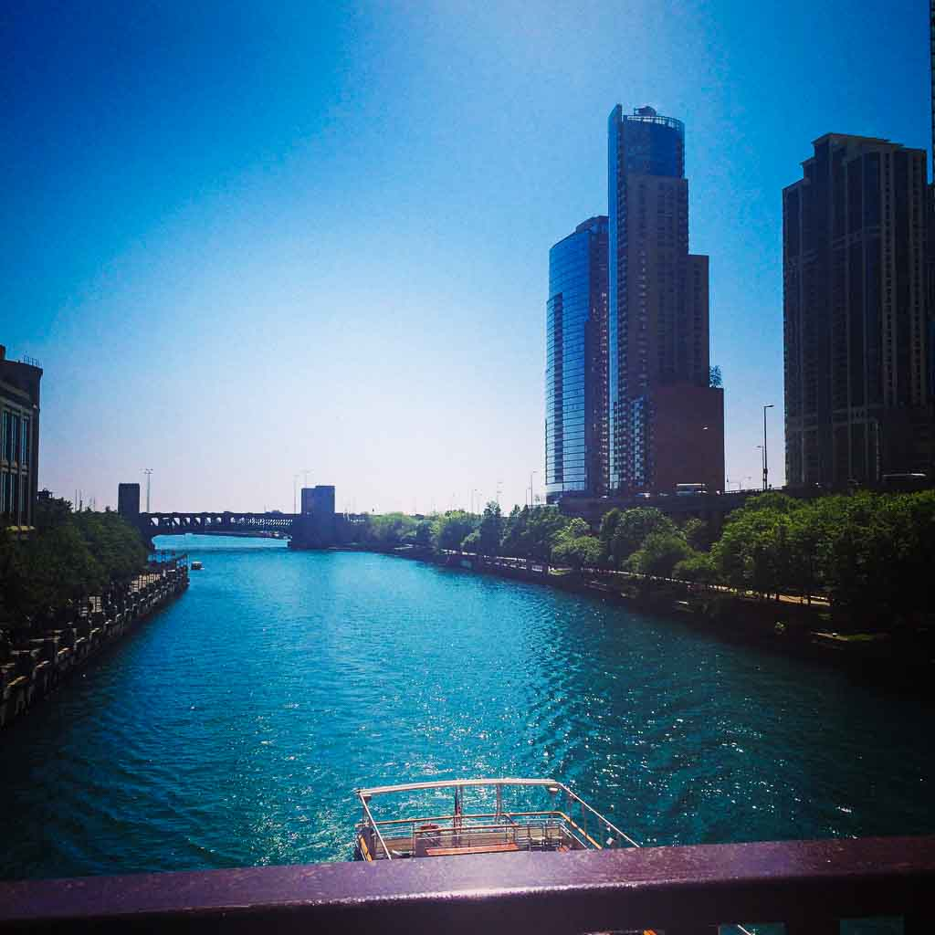 architectural boat tour of chicago