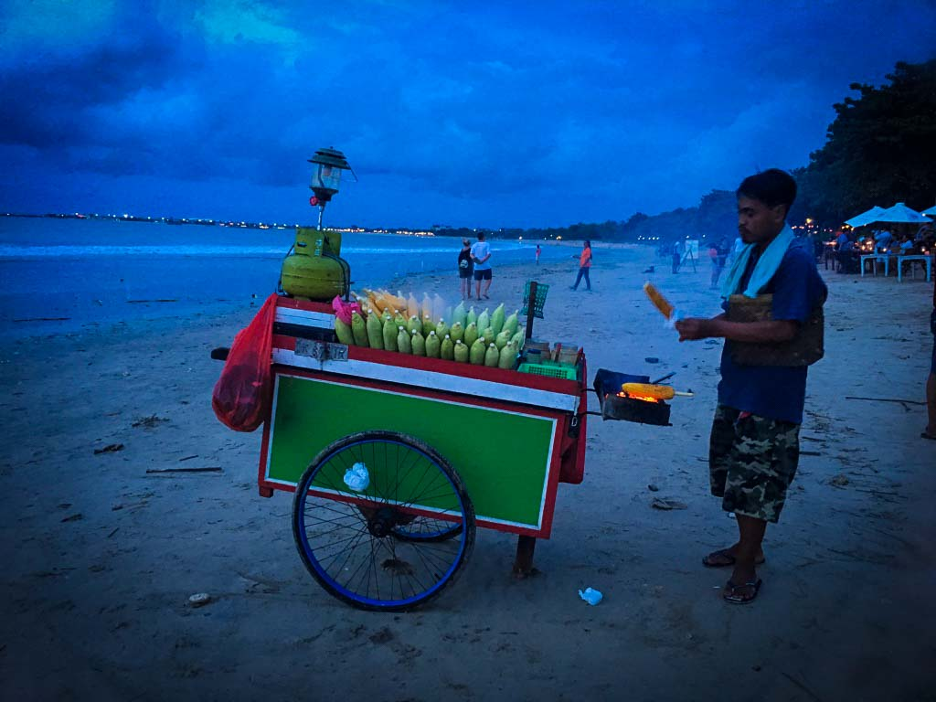 fresh, hot corn seller on jimbaran beach