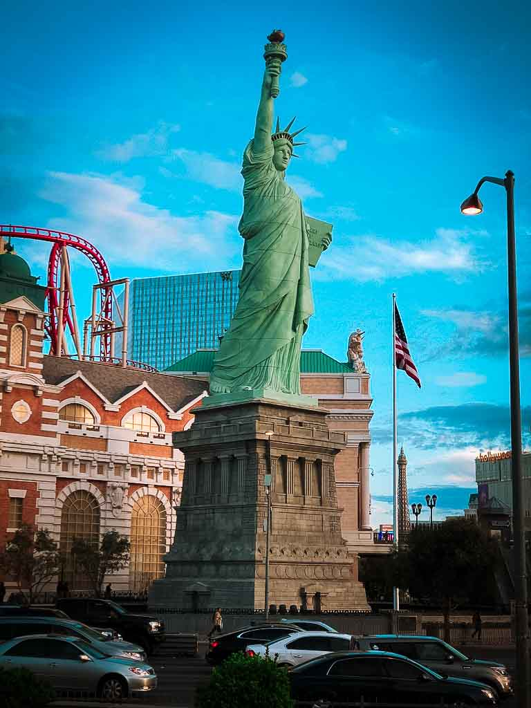 fake statue of liberty at New York New York hotel at Las Vegas