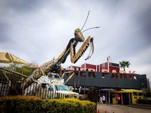 Huge mantis statue outside the container park in downtown las vegas