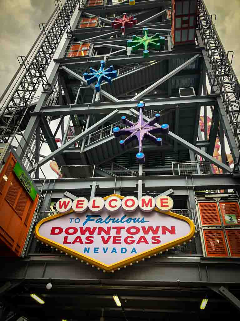 welcome to downtown las vegas sign