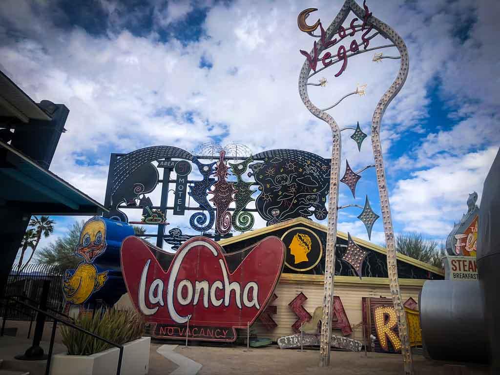 la concha and lost vegas sign